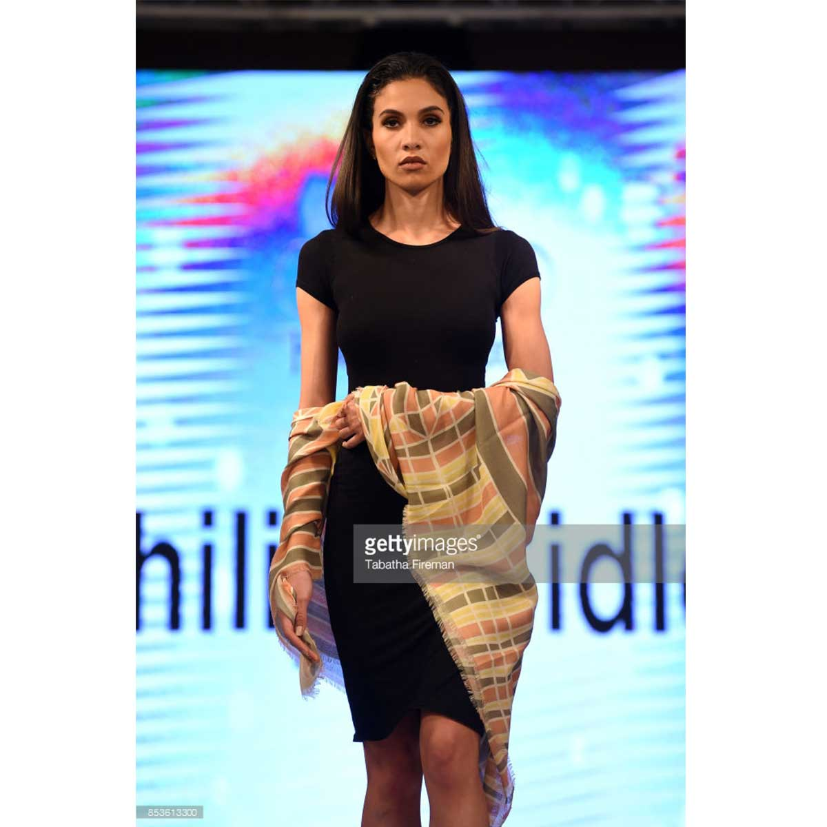 scarf-philippsidler-fashionshow-london-2